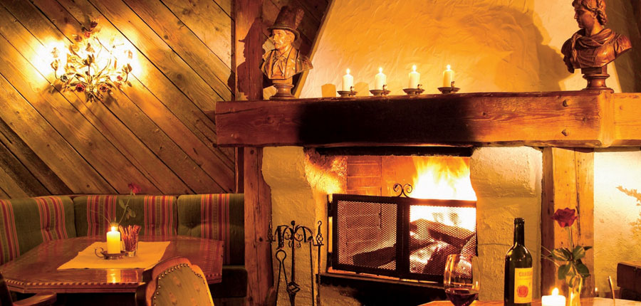 Austria_St-Anton_Hotel-Alte-Post_Lounge-fireplace.jpg